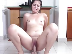 Chubby Teen with Good-looking Clamshell Clit Squat Fucks Your Cock