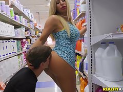 Blonde mom gets white-haired in and fucked wits a much younger lad