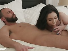 Wife with plump ass Lenna Lux is copulation early in the morning
