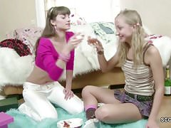18yr old Vest-pocket-sized Teens in First Time Lesbian Sex