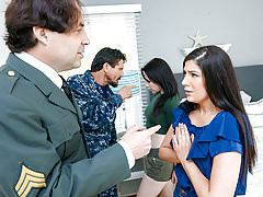 DaughterSwap - Military Dads Love Swapping Fry