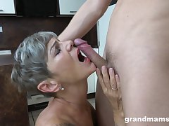 Old woman sucks dick with an increment of fucks like in the glory generation