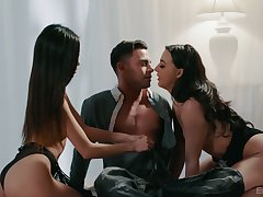 Photographer fucks two despondent models and cums here Vina Sky's mouths