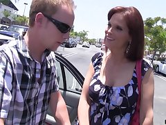 Lonely housewife Syren De Mer bangs three dude who helped their way in the parking lot