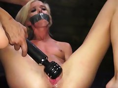 Teen dildo gangbang Halle Von is in town on vacation with