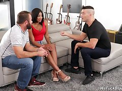 Hot Spanish guy teaches husband how in fuck bootyful black wife Lala Ivey