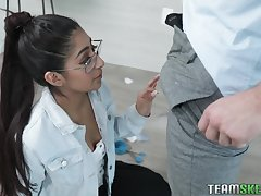 Horny ladies' fucks nerdy stepsister Binky Beaz with an increment of cums chiefly their way glasses with an increment of braces