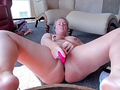 curvy milf with clamped nipples toys coupled with cums hard