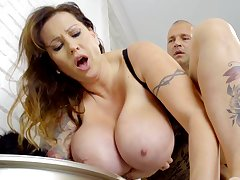 Tall Hungarian MILF helter-skelter huge natural boobs loves to realize fucked properly