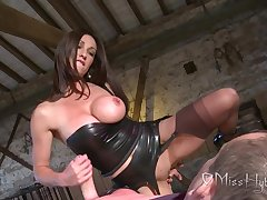 Serious English Lady pleasuring unlucky resulting - Handjob