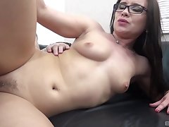 Nice pussy licking leads to automated screwing with Wendy Moon