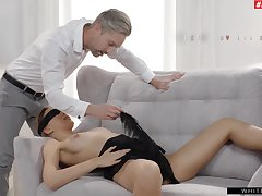 Blindfolded girlfriend Oxana Cooky kaput and fucked inwards