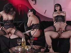 Despondent group sex session featuring Honey Gold, Vicki Chase and Jessie Lee