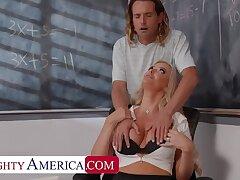 Unpropitious America: Big tit professor, Linzee Ryder, fucks the brush aide to succour stress on PornHD